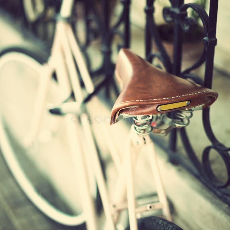 Weinlese-rosa Fahrrad lizenzfreies stockfoto