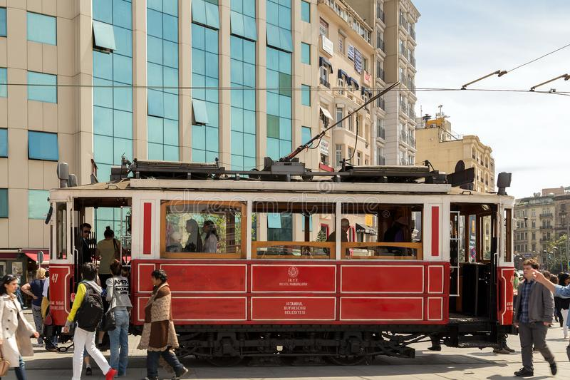 Weinlese rotes tramin die Stadt von Istanbul, die Türkei stockfotografie