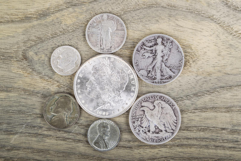Weinlese-Silbermünzen lizenzfreie stockfotografie