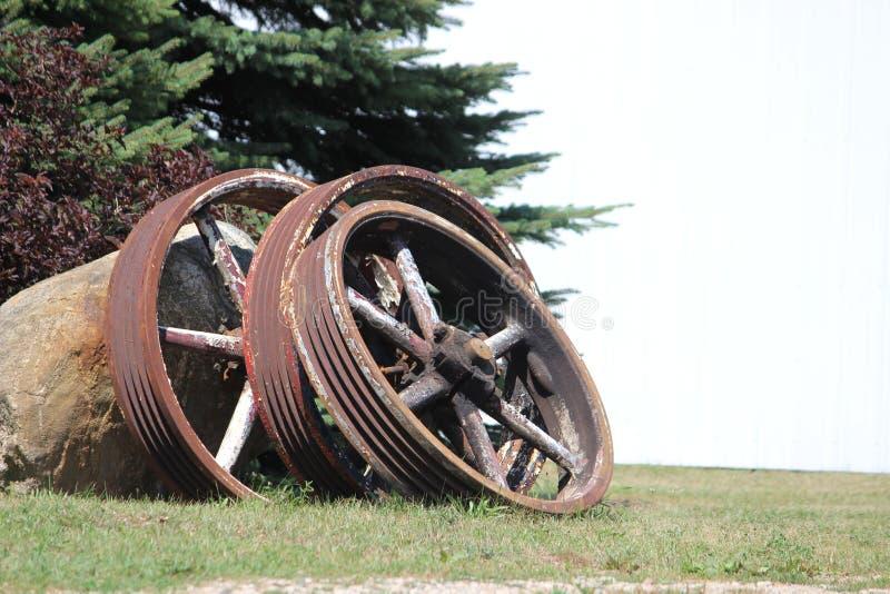 Weinlese-Stahlfelgen schließen oben stockfoto