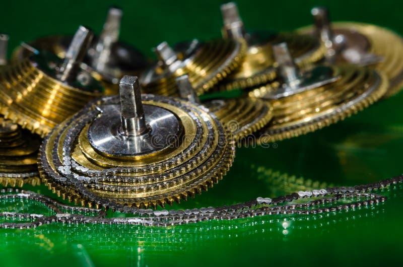 Weinlese-Taschen-Uhr Fusee-Kette umwickelt um den Fusee-Kegel lizenzfreies stockfoto