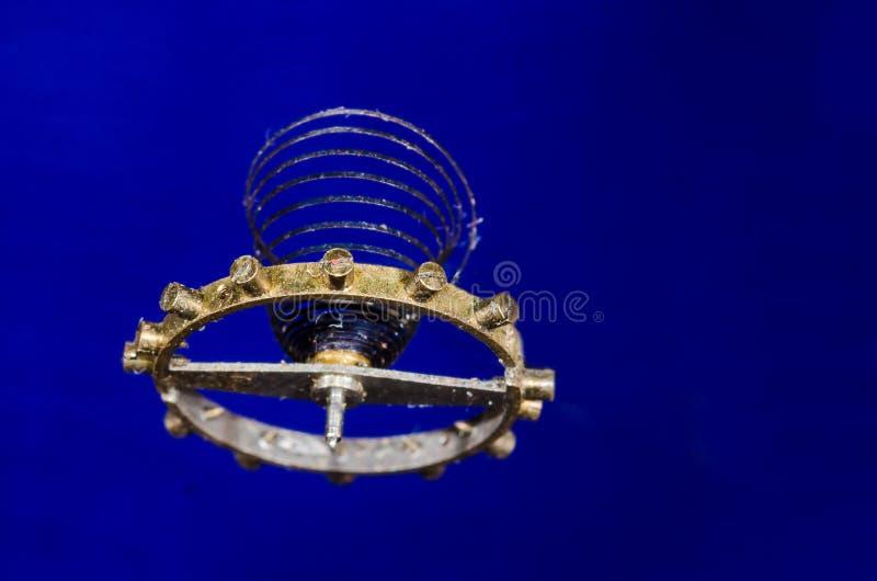 Weinlese-Taschen-Uhr-Unruhfeder verschoben im mitten in der Luft lizenzfreies stockbild