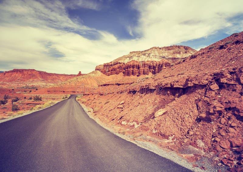 Weinlese tonte szenische Straße ohne Wege, USA lizenzfreies stockfoto