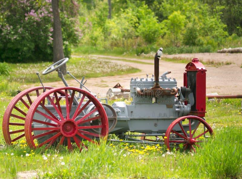 Weinlese-Traktor stockbild