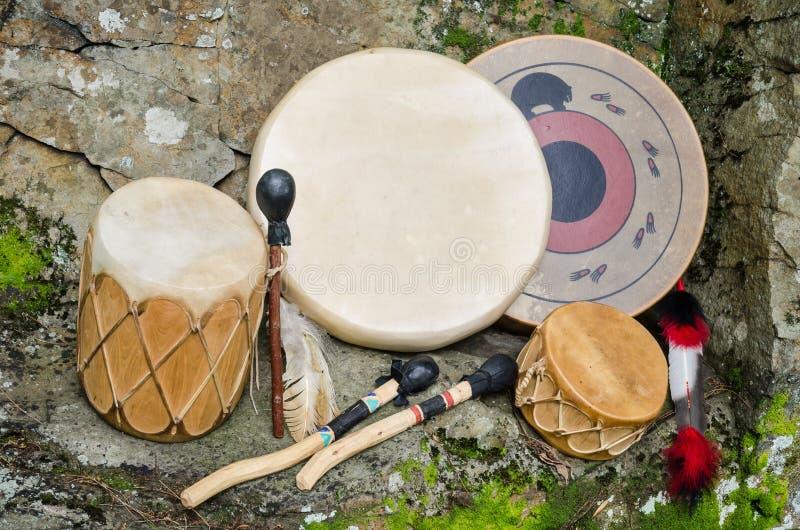 Weinlese, Trommeln des amerikanischen Ureinwohners. lizenzfreie stockbilder