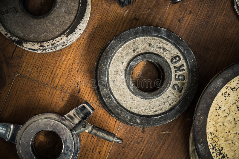 Weinlese-Turnhallen-Gewichte lizenzfreie stockbilder