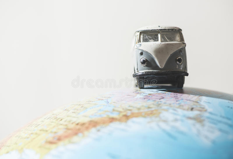 Weinlese VW transportieren auf Kugel stockbild