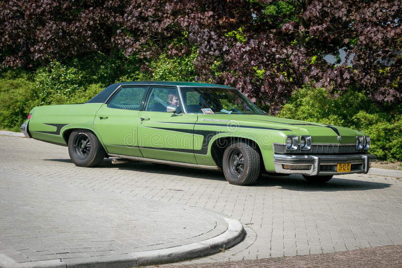 Weinleseauto 1974 Buicks Le SABRE lizenzfreies stockfoto