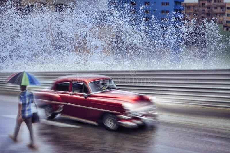 Weinleseauto, Havana Fantasy lizenzfreie stockfotografie