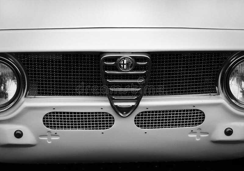 Weinleseautomobil Alpha Romeo Milano-Frontgrill stockbilder