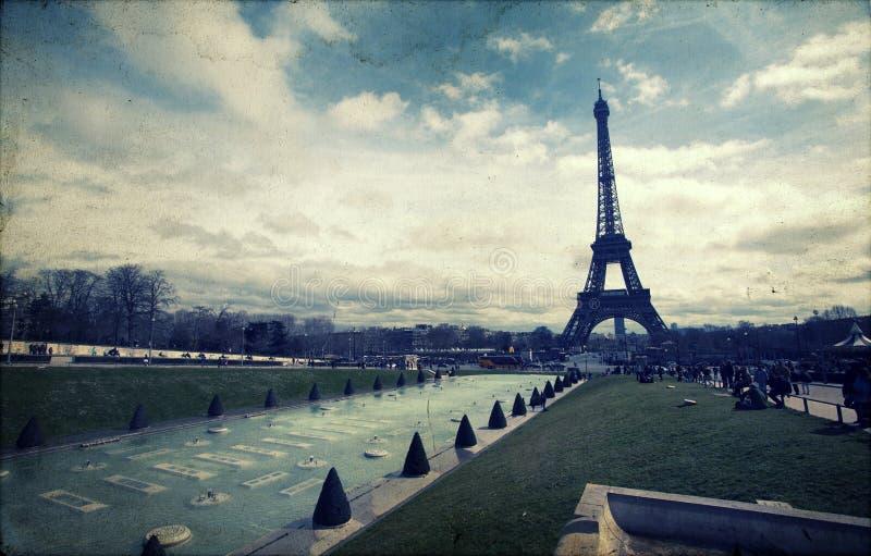 Weinlesefoto des Eiffelturms stockfotos