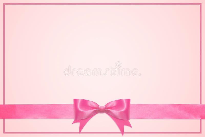Weinlesegrußkartenschablone dekorativ mit rosa Bogen mit dem horizontalen Band lokalisiert auf weißem Hintergrund stockfotos