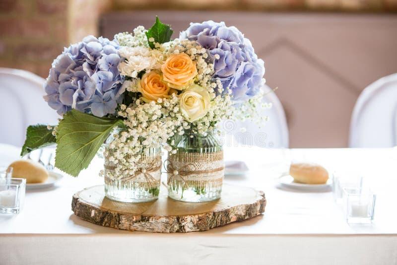 Weinlesehochzeitsdekoration für Hochzeitstag lizenzfreie stockfotografie