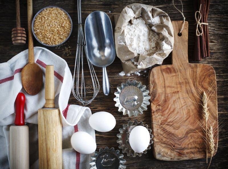 Weinleseküchengeräte, -stützen und -bestandteile lizenzfreie stockfotos