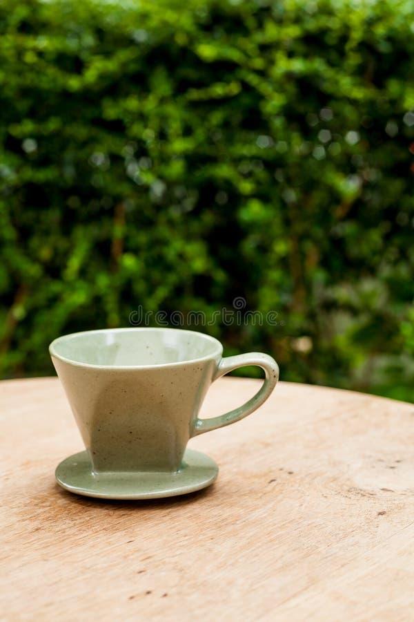 Weinlesekaffee Dripper lizenzfreies stockbild