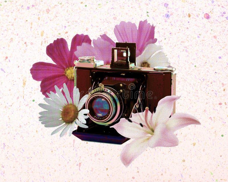 Weinlesekamera mit Blumen lizenzfreies stockfoto