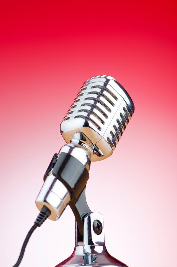 Weinlesemikrofon stockbilder