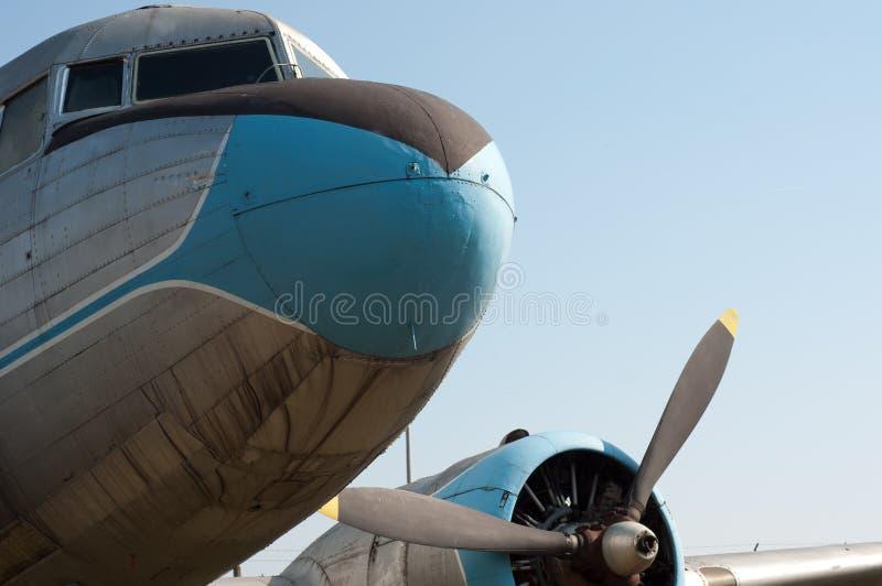 Weinlesepropellerflugzeug stockfotos