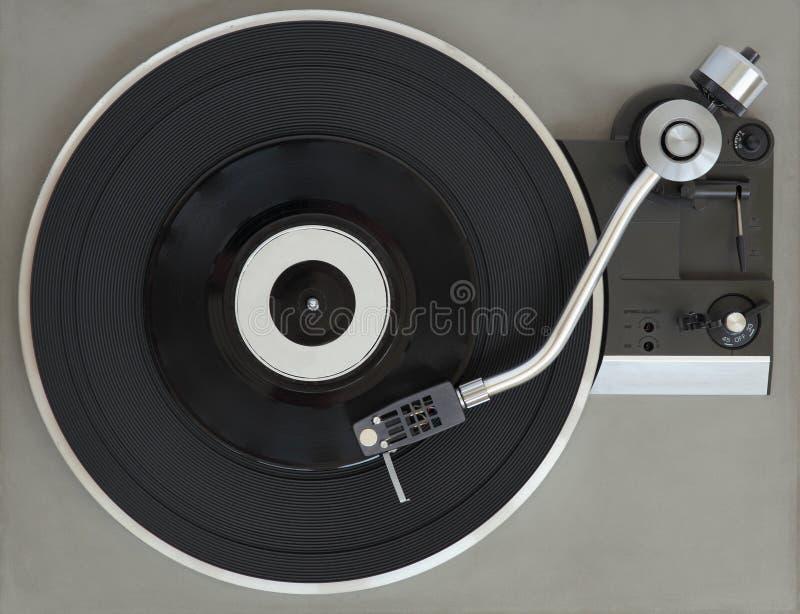 Weinleserekordspieler mit Vinylaufzeichnung lizenzfreie stockfotografie