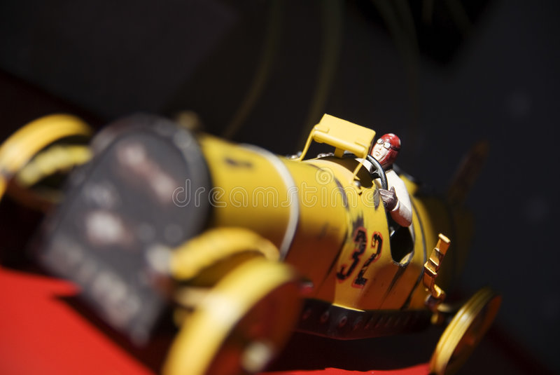 Weinlesespielzeug-Rennwagen lizenzfreies stockfoto