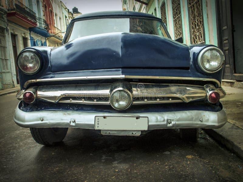 Weinlesestraßen-Amerikanerauto Habana stockbild