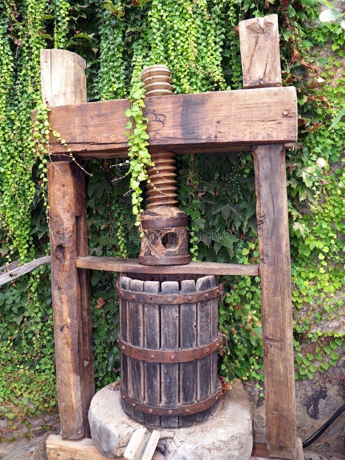 Weinlesetraubenpresse Für Die Weinherstellung Lizenzfreie Stockfotografie