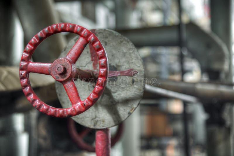 Weinleseventil in der Schwerindustriefabrik lizenzfreie stockbilder