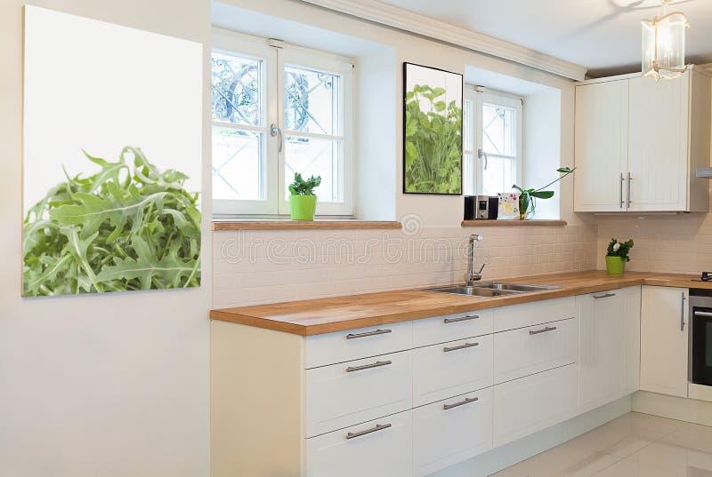 Weinlesevilla - Kochbereich lizenzfreie stockfotos