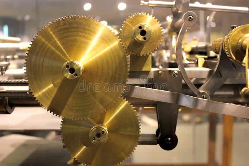 Weinlesezahn-Gangrad-Sammlungssatz Mechanismus zerteilt Makroansicht Verschiedene Zahnradzähne formt Gegenstände mit strukturiert stockfotos