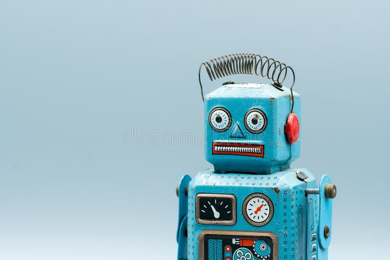 Weinlesezinn-Spielzeugroboter stockbilder