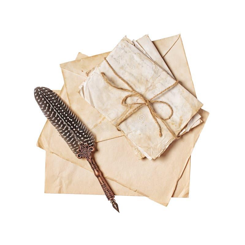 Weinlesezusammensetzung mit Bündel von alten Buchstaben und von Federkiel stockbild