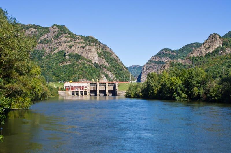 Weir κοντά στο μοναστήρι Cozia, Ρουμανία στοκ εικόνες