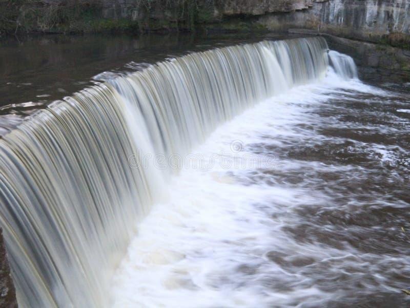 Download Weir de Cramond foto de stock. Imagem de molhado, fluxo - 108182