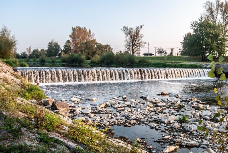 Weir no rio de Olse em Karvina imagem de stock royalty free
