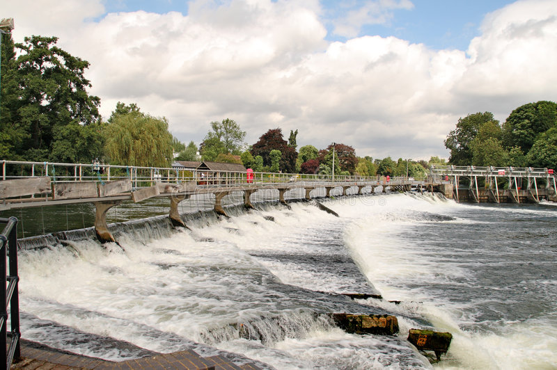 Download Weir On The River Thames In England Stock Image - Image: 5924133