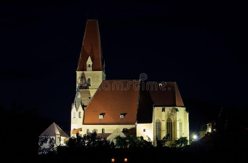 Weissenkirchen in der Wachau-Kirchennacht stockbilder