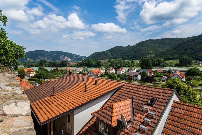 Weissenkirchen en el der Wachau imagenes de archivo