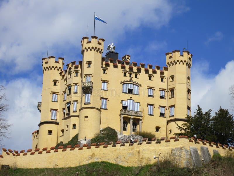 Download Weite Ansicht Des Hohenschwangau Schlosses Stockbild - Bild von bayern, grenzstein: 26371767