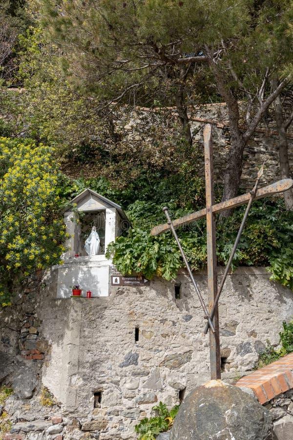 Wejście Cappuccini klasztor przy Monterosso Liguria Włochy na Kwietniu 22, 2019 zdjęcie royalty free