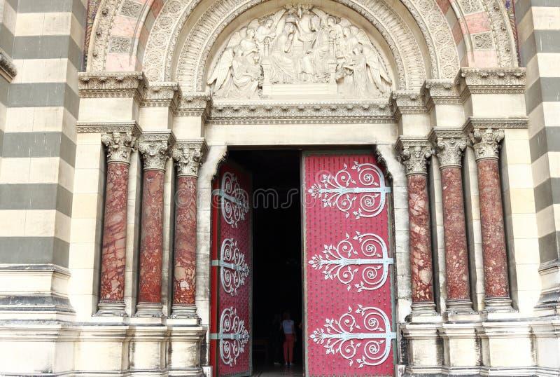 Wejście cathédrale De Los angeles Specjalizujący się w Marseille, Francja zdjęcie royalty free