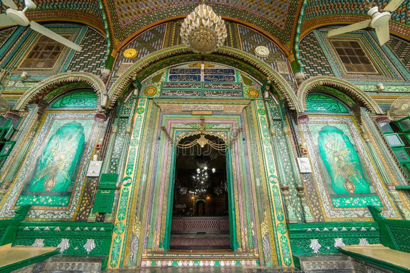 Wejście Khanqah-e-Moula antyczny meczet w starym miasteczku Srinagar obrazy stock