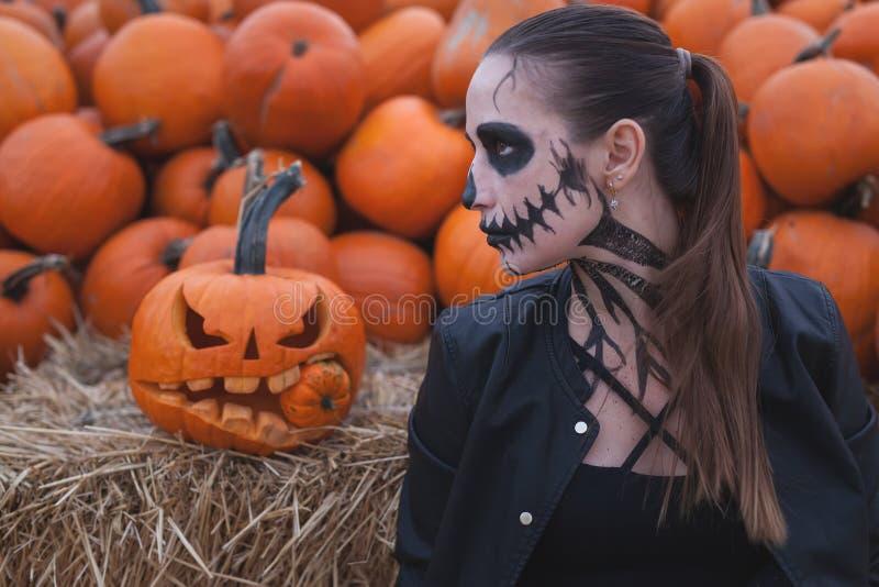 Wejście ogranicza klub nocny, kod ubioru Halloween przyjęcie fotografia stock