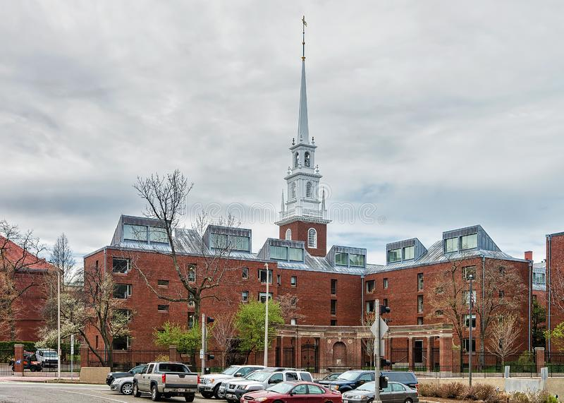 Wejście Pamiątkowy kościół w Harvard jardzie Cambridge MA fotografia royalty free