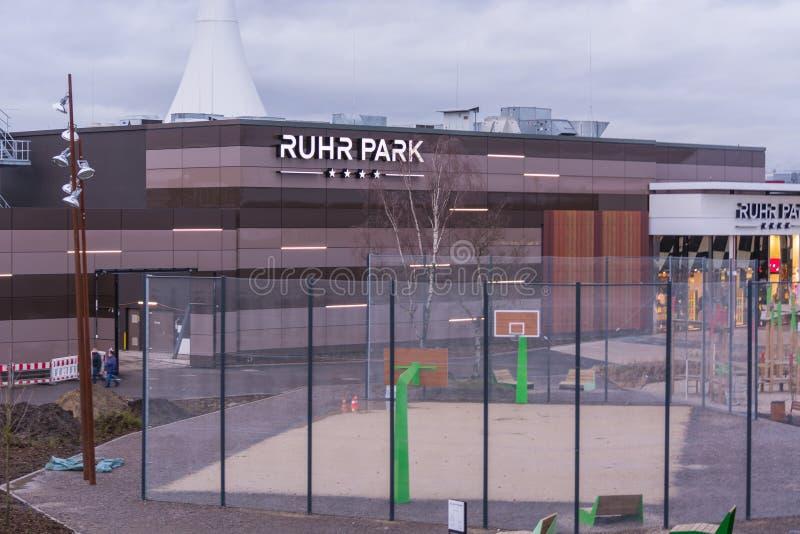 Wejściowy centrum handlowego Ruhr park w Bochum fotografia stock