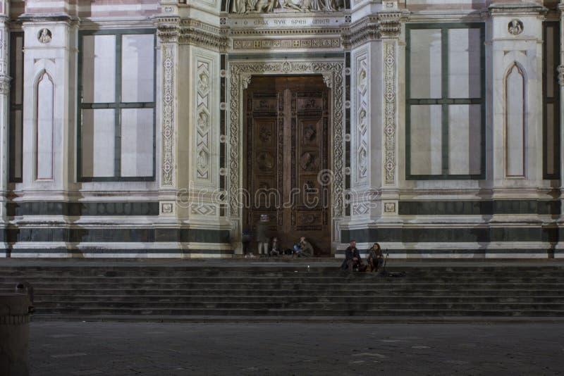 Wejściowy drzwi Święty Przecinający kościół w Florencja zdjęcia royalty free