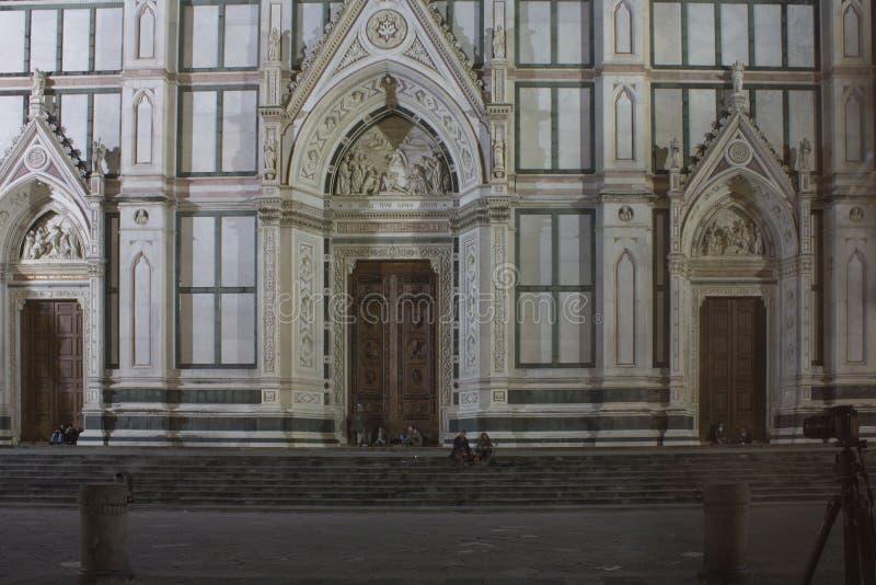 Wejściowy drzwi Święty Przecinający kościół w Florencja obrazy stock