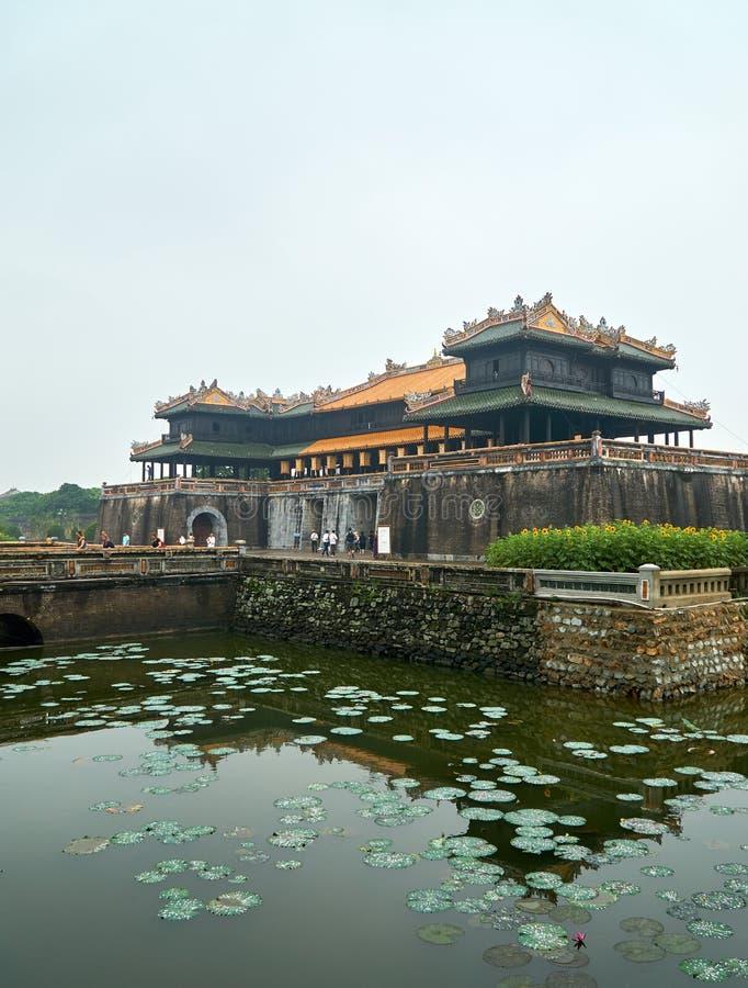 Wejściowy drzwi cesarski miasto, odcień, Wietnam Na dniu z mgłą dużo obrazy royalty free
