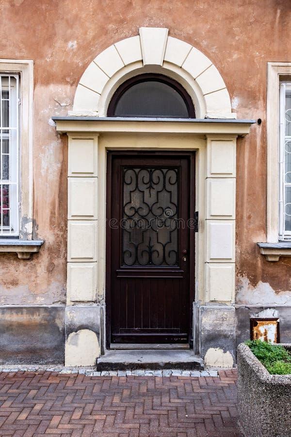 Wejściowy drzwi dom, Warszawa, Polska fotografia stock