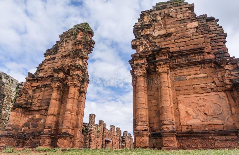 Wejściowy drzwi kościół rujnuje Argentyna fotografia royalty free