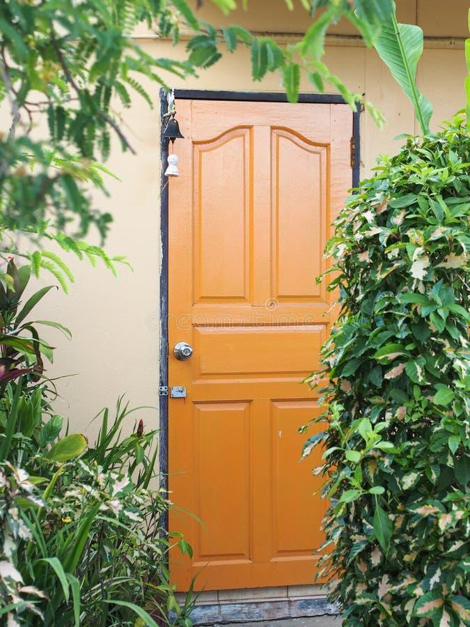 Download Wejście dom zdjęcie stock. Obraz złożonej z zakończenie - 42525722